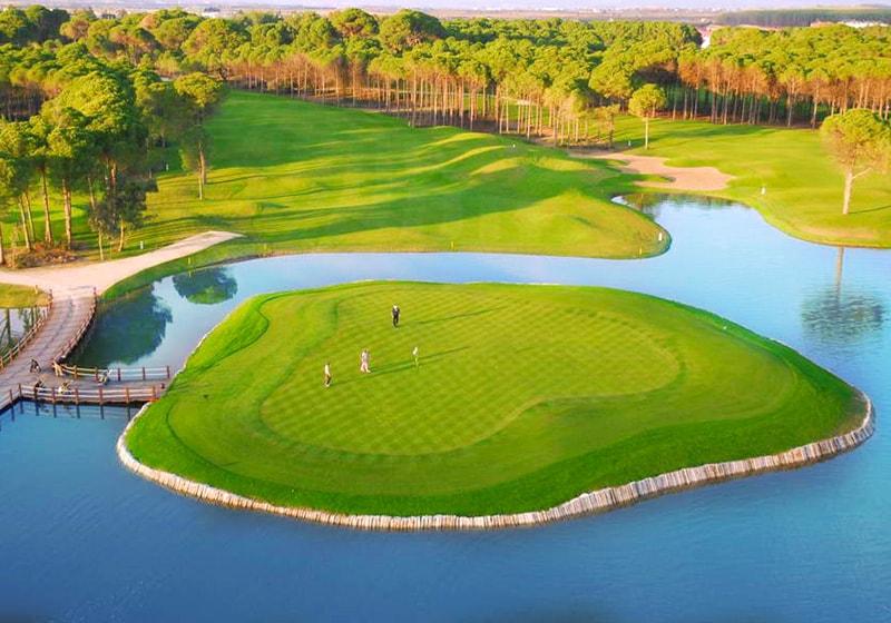 ملعب للجولف في بيليك أنطاليا