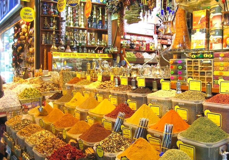 سوق البهارات في اسطنبول