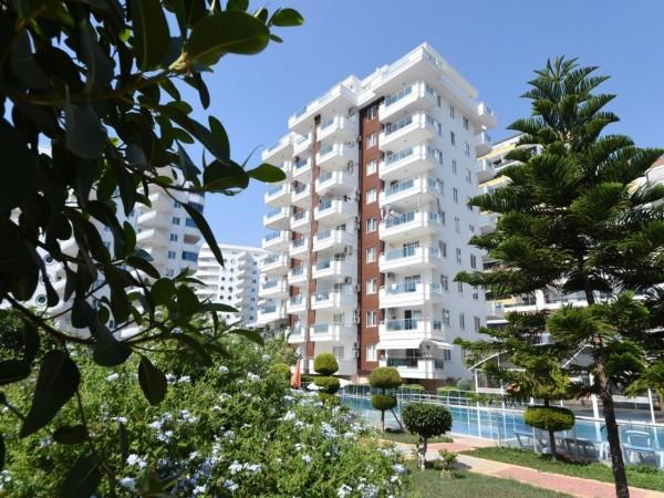 شقة فسيحة جدا للبيع ثلاث غرف نوم في مجمع سكني محاط ببوابة في ألانيا